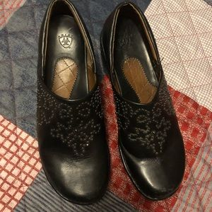 Arias clogs black with beads size 10B